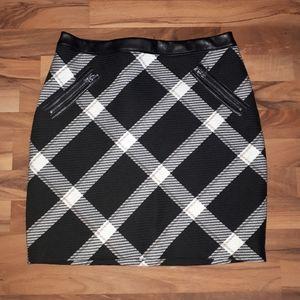 White House Black Market Plaid skirt
